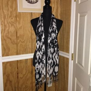 Thin black and white scarf